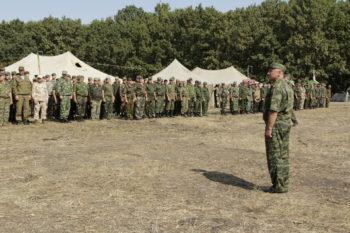 Атаман Екатеринодарского отдела Виктор Светличный приветсвует участников военно-полевых сборов