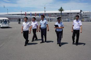 Наряд на маршруте патрулирования внешнего периметра стадиона Фишт с казаками Туапсинского и Ейского районных обществ