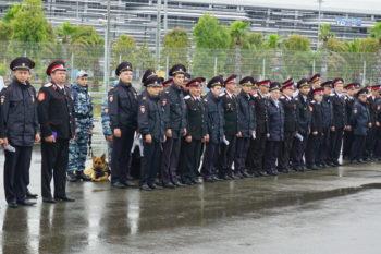 Развод казаков и сотрудников полиции по охране общественного порядка перед открытием Кубка конфедераций
