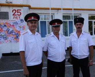Казаки-наставники (слева направо) А. Заболотных, А. Ансимов, С. Панчук