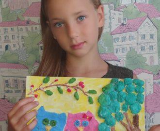 Дарья Зима показала ребятам как выполнить рисунок с элементами барельефа