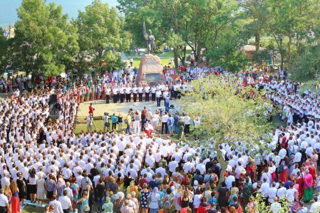 Панорамный снимок возле памятника казакам-черноморцам
